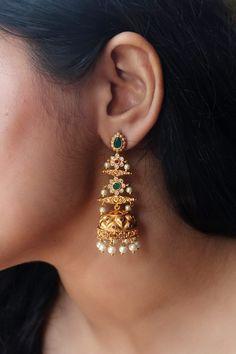 Indian Jewelry Earrings, Jewelry Design Earrings, Gold Earrings Designs, Gold Jewellery Design, Necklace Designs, Beaded Jewelry, Fancy Jewellery, Antique Earrings, Designer Earrings
