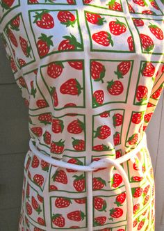 Vintage VESTED GENTRESS Strawberry Print Dress by hensfeathers, $65.00