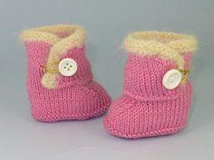 Baby Fur Trim One-Button Booties FREE Knitting Pattern