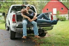 Truck. Trucks. Tailgate. Country. Couple photography. Love. Ford.
