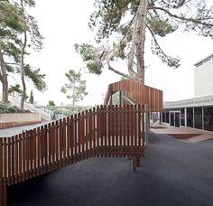 Treehouse installed in Israel Museum playground by Ifat Finkelman and Deborah Warschawski
