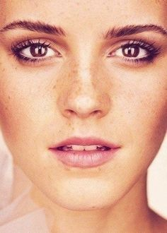 Love this natural makeup look -- be sure to start with a great moisturizer like the @simpleskincare line!  #NoMakeupWakeup