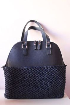 Hey, I found this really awesome Etsy listing at https://www.etsy.com/uk/listing/482583460/crocher-bowling-bag