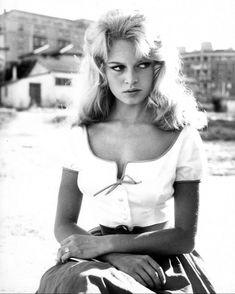Miss Brigitte Bardot : Photos Brigitte Bardot, Marlene Dietrich, Hollywood Stars, Classic Hollywood, 4k Photos, Greta, Vintage Soul, What Is Tumblr, Feature Film
