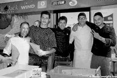 """La seconda edizione della """"Cuoppo Fest"""", iniziativa svoltasi sabato 8 ottobre adAlife – paese dalle origini antichissime ubicato in provincia di Caserta -, ha registrato un successo al di sopra delle aspettative degli organizzatori. Salvatore Pece (pescheria """"Da Salvatore"""") e i bravissimi chef Lello Cangianiello e Umberto Ventrigliahanno preparato più di 500 """"cuoppetielli""""in tre differenti versioni: con baccalà e cipolla ..."""