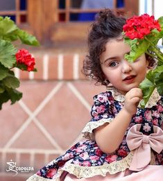 Baby Photography Toddler Little Girls 60 Ideas Cute Little Baby Girl, Beautiful Little Girls, Little Doll, Beautiful Children, Aya Sophia, Cute Baby Girl Wallpaper, Cute Babies Photography, Cute Baby Girl Pictures, Baby Images