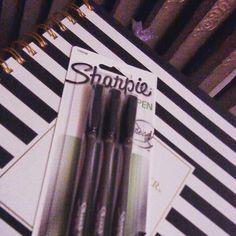 Time to see how the sharpie pen measures up in my social media planners. Sharpie Pens, Social Media Video, Planners, Spotlights, Writing, My Favorite Things, Rage, Peeps, Blog