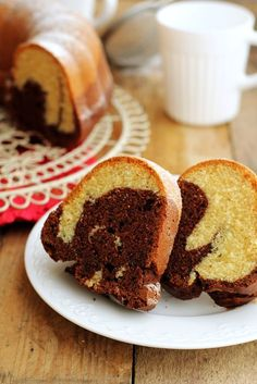babka marmurkowa, babka łaciata, ciasto ucierane, kakao Polish Desserts, Polish Recipes, Polish Food, Donut Recipes, Cake Recipes, Cooking Recipes, Marble Cake, Just Bake, Food Cakes