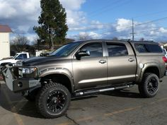 Toyota Tundra - this is what I envisioned my truck to look like when it grows up.