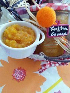 La meilleure recette de Confiture à l'orange (recette express au micro ondes de julie andrieu )! L'essayer, c'est l'adopter! 4.8/5 (4 votes), 1 Commentaires. Ingrédients: 800 g (environ) d' oranges à jus non traitées 200 g d' abricots secs 1 citron 800 g de sucre à confiture 40 cl d' eau 2 c. à soupe d' eau de fleurs d' oranger