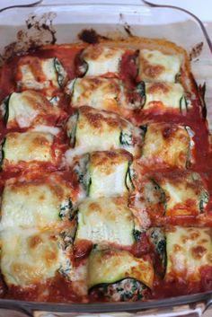 Rollitos de calabacín con ricotta y espinacas - GezondGezin. Veggie Recipes, Pasta Recipes, Vegetarian Recipes, Cooking Recipes, Healthy Recipes, Game Recipes, Chicken Recipes, I Love Food, Good Food