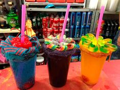 Candy Drinks, Liquor Drinks, Fun Drinks, Alcoholic Drinks, Mexican Snacks, Mexican Food Recipes, Snack Recipes, Mixed Drinks Alcohol, Alcohol Drink Recipes