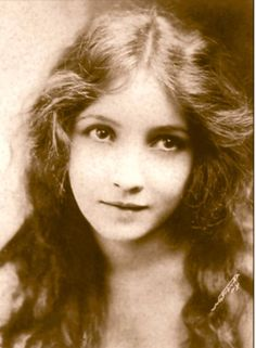 vintage everyday: Bessie Love: Innocent Flapper of American Motion Picture in the 1920s