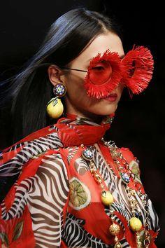 Detail / Dolce & Gabbana / Mailand / Frühjahr 2018 / Kollektionen / Fashion Shows / Vogue - VOGUE