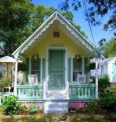 Tiny cottage, and have a look at that gingerbread trim! - Cottage home decor Cute Little Houses, Little Cottages, Small Cottages, Cute House, Cabins And Cottages, Tiny House, Small Houses, Beach Cottages, Cute Cottage