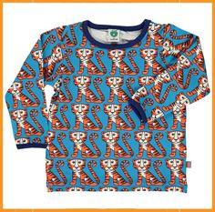 Leuke blauwe longsleevevan Smafolk met oranje tijgerserop. De boordjes zijn donkerblauwblauw.De T-shirts vallen op maat.