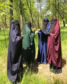 #05.05.2018 Все Издали на фото в наличии... Издали с рукавами в пол 3000. Издали без рукавов по 2500. Издали с прорезями тоже по 2500.… Abaya Pattern, Niqab Fashion, Black Sisters, Muslim Beauty, Hijab Wedding Dresses, Face Veil, Hijab Niqab, Arab Girls, Cute Girl Pic