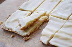 Skibo Castle Ginger Crunch -- Scottish shortbread of shortbread topped with a layer of melted butter, icing sugar and Lyle's Golden Syrup. Scottish Desserts, Scottish Recipes, Irish Recipes, Sweet Recipes, Cookie Recipes, Dessert Recipes, Party Recipes, Gourmet Cookies, Skibo Castle