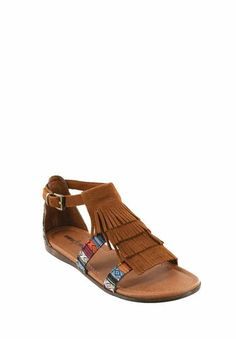 I love, love, love these! The Minnetonka Maui in Brown w/ Arizona Print #MinnetonkaFirstLook #sneakpeek #sandals