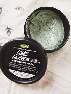 I haven't tried any of their face masks, just because they go bad so quickly, but I really want to try this one - it's supposed to be a miracle worker for combination skin types. Lush Handmade Cosmetics, Lush Cosmetics, Homemade Cosmetics, Lush Mask, Lush Products, Handmade Products, Hair Products, Makeup Products, Skin Care Routine For 20s