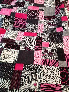 Handmade quilt Black White and Pink Frenzy twin by quiltyninja