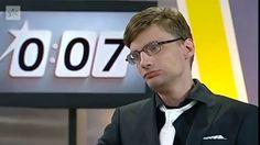 Un homme politique finlandais évite de vomir en direct à la télé.#respect #boss #buzz #ravalersonvomi #video