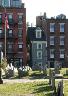 The Skinny House: The narrowest house in Boston is reportedly the result of some pretty serious sibling rivalry. According to legend, two brothers inherited this plot of land from their father. While one was away serving in the military, his brother built a huge house on the majority of the land. Not cool! When he returned home, the other brother taught him a lesson by building this narrow house to block his brother's light and ventilation.