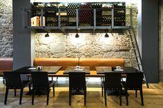 Belén Sueiro fue la responsable del proyecto de interiorismo de la vinoteca De Market en A Coruña.