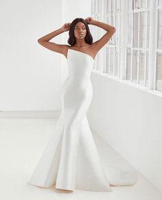 Making A Wedding Dress, Dream Wedding Dresses, Bridal Dresses, Wedding Gowns, Wedding Lingerie, Pronovias Wedding Dress, Ferrat, Curvy Bride, Contemporary Dresses