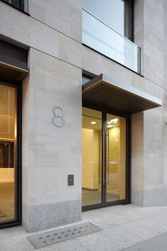 ShowCase: 10 Hanover St by Squire and Partners Modern Entrance Door, Office Entrance, Entrance Design, Facade Design, Exterior Design, House Cladding, Stone Cladding, Facade House, Building Front