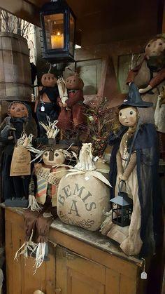 Primitive Scarecrows, Primitive Halloween Decor, Primitive Autumn, Primitive Pumpkin, Primitive Folk Art, Primitive Crafts, Halloween Doll, Halloween Items, Vintage Halloween