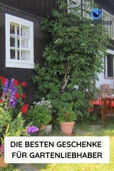 Was kann man einem Gartenliebhaber schenken? Welche schönen Geschenkideen gibt es für alle die einen Garten oder eine Terrasse besitzen? Wie kann ich einem Gartenfreund eine Freude machen? Wir haben die schönsten Geschenke für Gartenliebhaber herausgesucht und zusammen gestellt. #Geschenke FürGartenliebhaber #GeschenkideenFreundin #GeschenkideenMänner #SinnvolleGeschenkideen #EinfallsreicheGeschenkideen
