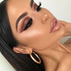"39.5k Likes, 141 Comments - Urban Decay Cosmetics (@urbandecaycosmetics) on Instagram: ""Knock  out. We're obsessed with @iluvsarahii in Midnight Cowboy Heavy Metal Glitter Eyeliner.…"""