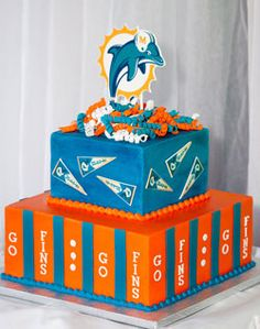 Miami Dolphins need to make this for brady! Miami Dolphins Cake, Miami Dolphins Funny, Florida Dolphins, Dolphin Memes, Dolphin Quotes, Dolphin Party, Fin Fun, Nfl, Unique Cakes