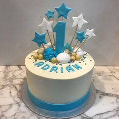 Tarta buttercream estrellitas. Cupcakes, Birthday Cake, Desserts, Food, Fondant Cakes, Lolly Cake, Candy Stations, One Year Birthday, Christening