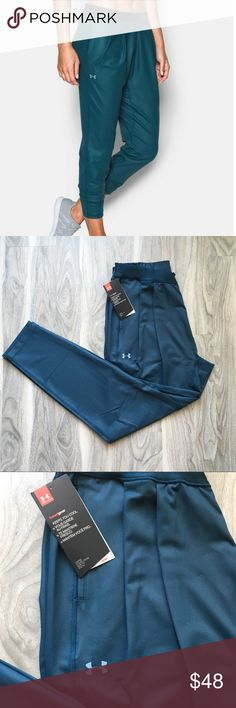 Under armour city hopper harem S NWT Under armour city hopper harem S NWT. Very nice material, will keep you cool. Relaxing fit. Under Armour Pants Track Pants & Joggers