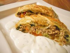 Austrian Recipes, Appetizer Dips, Spanakopita, Deli, Mozzarella, Food And Drink, Low Carb, Cooking Recipes, Snacks