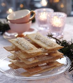 Table Stack (Bordstabelbakkels) // KITTY A's recipe ! how i loved this Each Jul. Norwegian Christmas, Norwegian Food, Scandinavian Food, Kinds Of Cookies, Holiday Baking, Christmas Cookies, Food Inspiration, Snacks, Meals