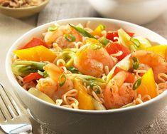 Gewokte Sweet Chili garnalen met noodles en paprika en prei