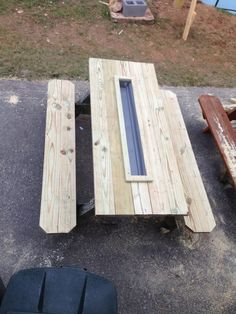 Picnic Table with cooler insert