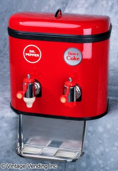 The Multiplex 44 soda fountain dispenser was made by the Multiplex Faucet Company from 1961 to 1962 and was a dual-valve dispenser. Coca Cola Ad, Always Coca Cola, World Of Coca Cola, Pepsi, Soda Machines, Vending Machines, Coke Cooler, Coke Products, Coke Machine