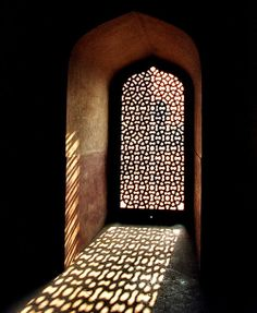 Home And Building Natural Light Design And Architecture 49 - DecOMG Light Architecture, Architecture Details, India Architecture, Licht Box, Interior Exterior, Interior Design, Light And Shadow, Doorway, Islamic Art