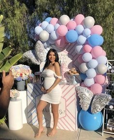 """Yesterday was so beautiful finding out the gender of baby E 😭🥺💙💗"" Gender Reveal Outfit, Pregnancy Gender Reveal, Pregnancy Goals, Baby Gender Reveal Party, Pregnancy Outfits, Maternity Dresses For Baby Shower, Cute Maternity Outfits, Stylish Maternity, Maternity Pictures"