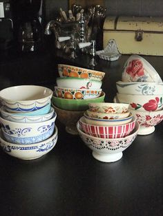 Cafe au Lait bowls in a variety of colors. . .love!