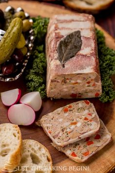 chicken and pork Country Style Pate - rich, incredibly flavorful pate recipe goes great with a fresh crusty baguette and a pickle.Step by step pictures will be there to guide you every step of Cake Sandwich, Country Pate, Kitchen Recipes, Cooking Recipes, American Test Kitchen, Charcuterie Recipes, Pate Recipes, Terrine Recipes, Chicken Livers