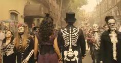 James Bond in Spectre (mexico) - coole outfit ook voor de Nederlandse Halloween James Bond Party, New James Bond, Daniel Craig, Rachel Weisz, Halloween Party, Halloween Costumes, Haha, 50th Party, Columbia Pictures
