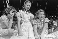 Russell Lee - Girls at 4-H Club fair, Cimarron, Kansas, 1939