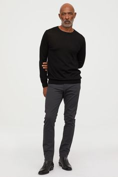 Slim fit - relaxed over thighs and tapered from knees down for a casual, well-tailo Stylish Men, Men Casual, Old Man Fashion, Womens Fashion, Der Gentleman, Mens Attire, Twill Pants, Men's Pants, Slim Fit Trousers