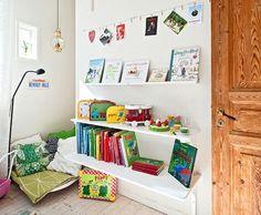 Lieblich Kuschelecke Im Kinderzimmer   Ergonomie Und Gemütlichkeit. Postkarten/  Bilder Aufhängen