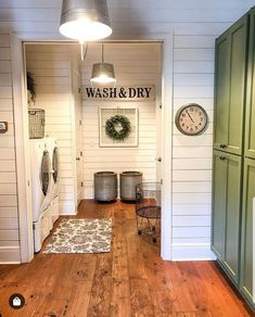 55 Small Farmhouse Laundry Room Decor Ideas - Home Fashions Mudroom Laundry Room, Laundry Room Remodel, Laundry Room Cabinets, Laundry Room Design, Laundry In Bathroom, Laundry Baskets, Bathroom Wall Sayings, Small Laundry Closet, Laundry Room Folding Table